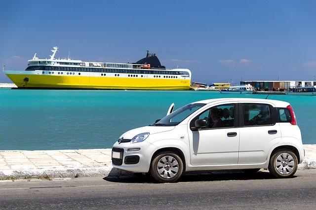 旅行で使用するレンタカーの手続きの方法とは?初めて利用するあなた必見。