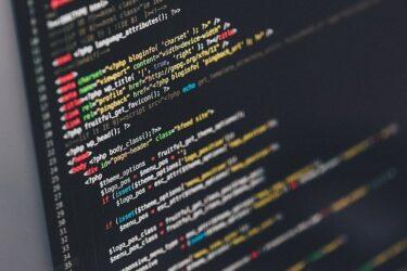 プログラミングの勉強は、独学よりもプログラミングスクールへ行くべきか?かつて職業訓練施設からIT企業へ就職した私。