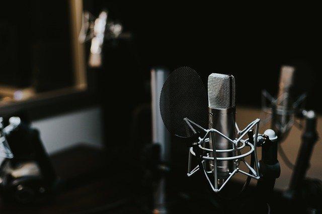 オーディオブック(audiobook.jp)」に起用されている有名な声優は?